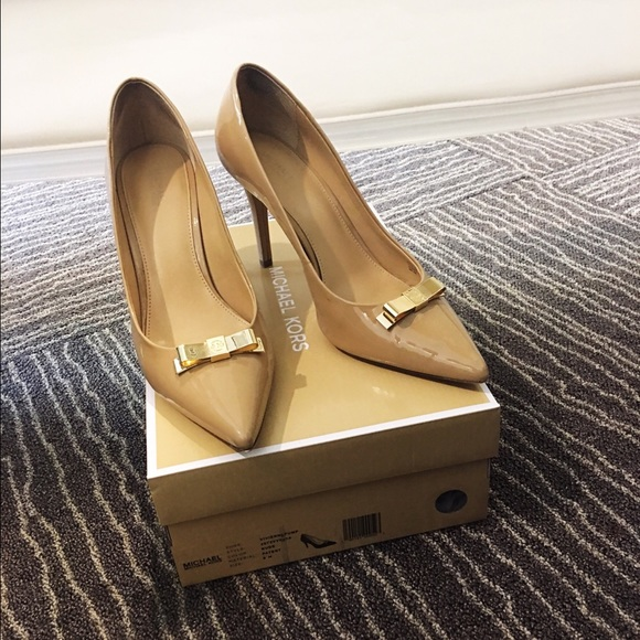 8c923d82e971 M 5a73739800450fc5aae4e9e2. Other Shoes you may like. Michael Kors ...